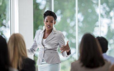 Cinq bonnes raisons d'être heureux et satisfait de bien savoir parler en public !