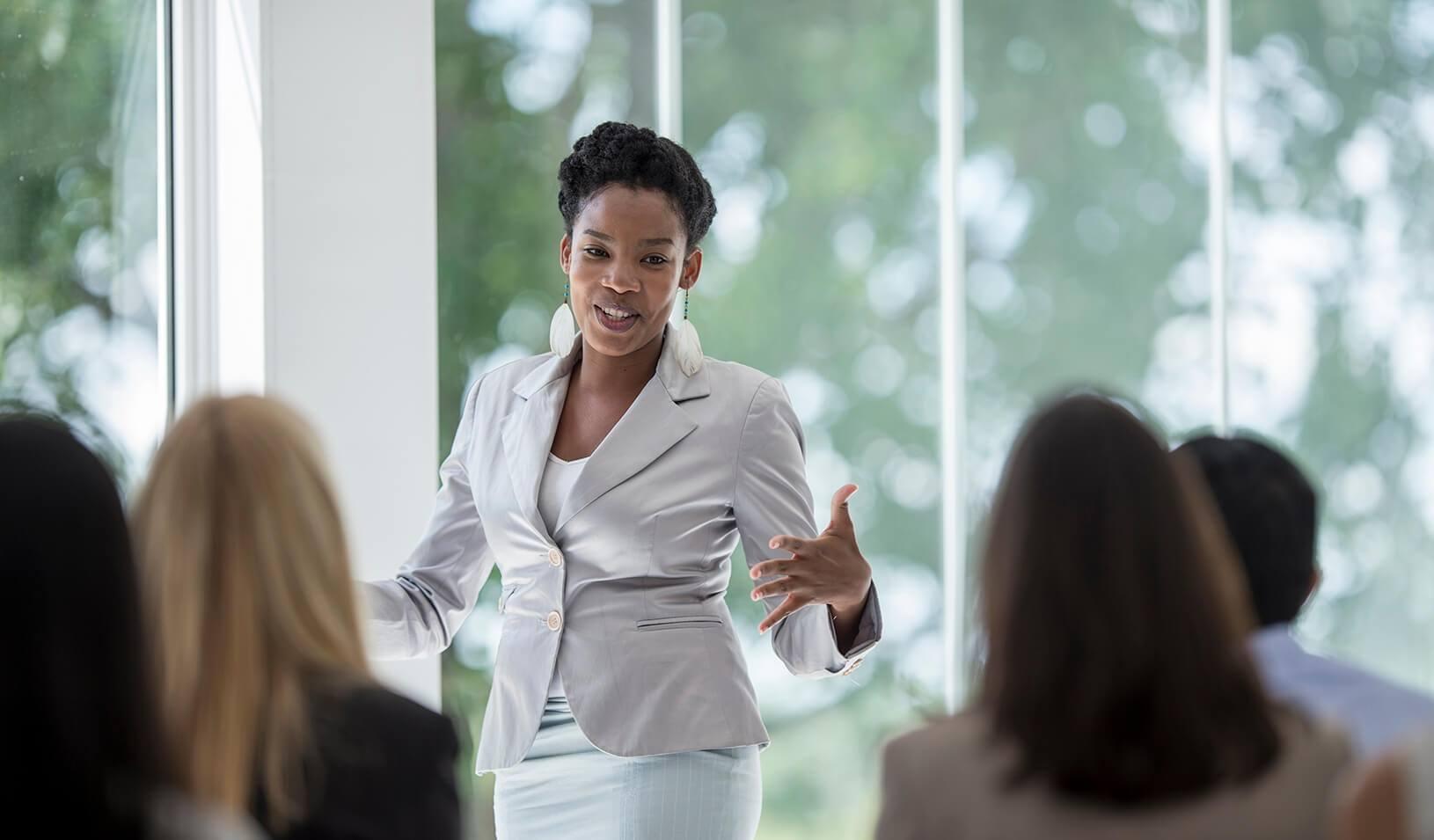 5 bonnes raisons d'être heureux et satisfait de bien savoir parler en public